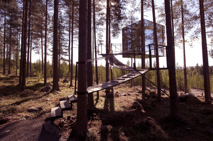 Mirrorcube style Treehotel Sweden