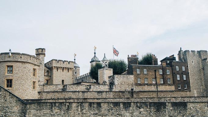 farrell clothing tower of london lookbook fashion blogger-28