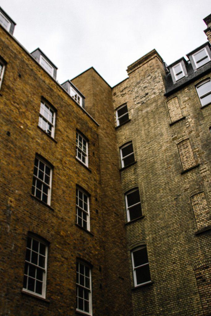 exploring london gang canon sigma lens-8