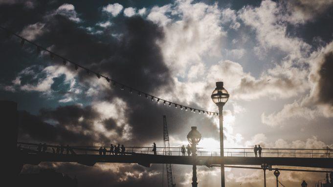people watching sunset london saint pablo