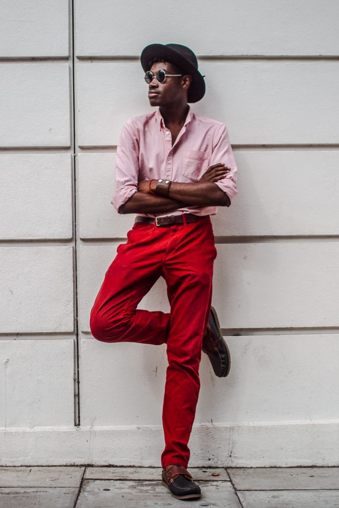 red trousers street style