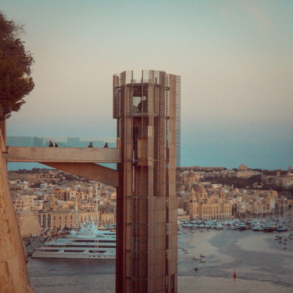 malta travel visit valletta photography orange teal-18