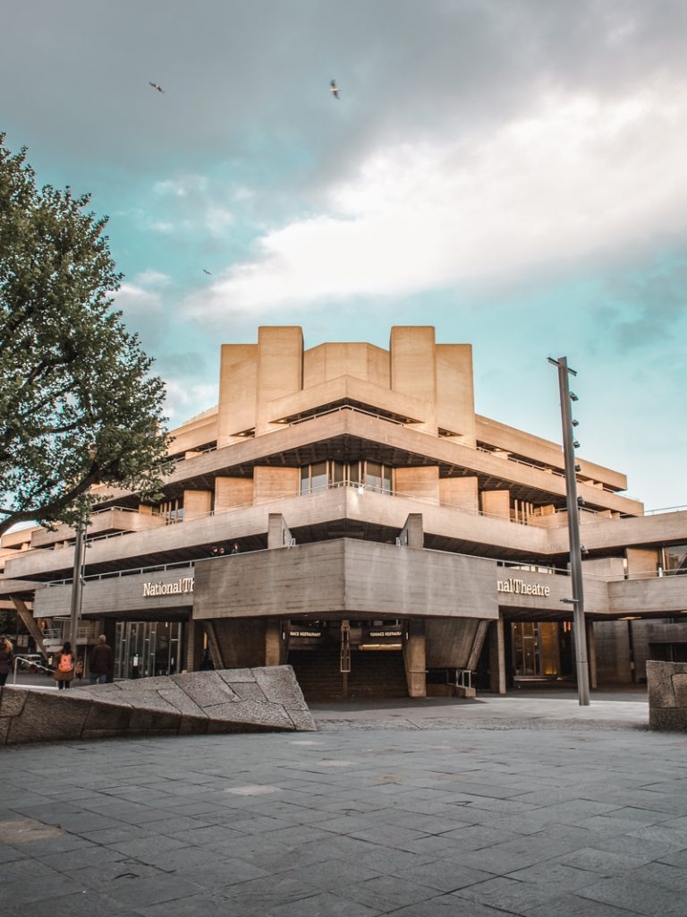 exploring london national theatre canon 5d dvsn-24