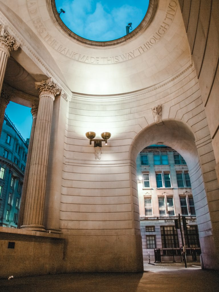 exploring london bank canon 5d dvsn-24