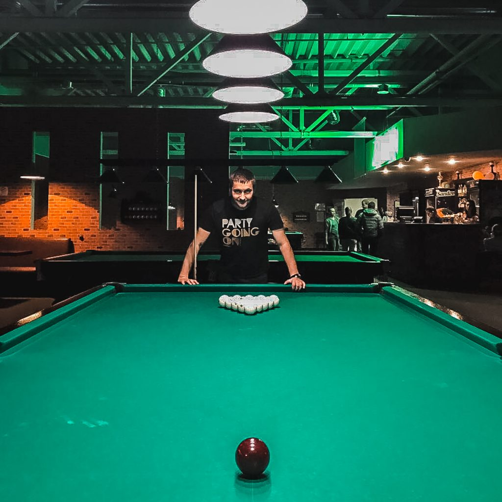 russian snooker pool hall